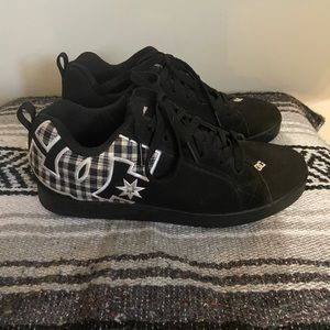 Black DC Shoe Co Skate Shoes Size 10 Mens